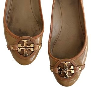 TORY BURCH Tan Patent Leather Ballet Flats